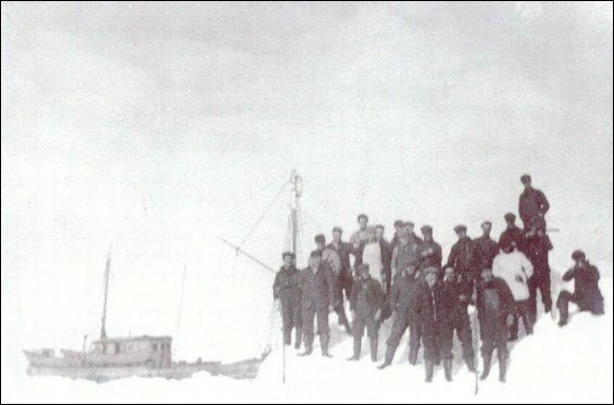 Port Union men at the seal hunt.