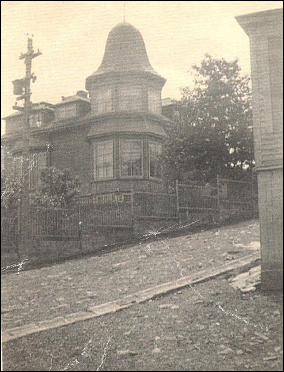 Front view of Coaker�s Bungalow.