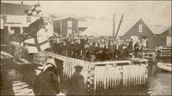 Joe Batt's Arm welcoming President Coaker, 1913.