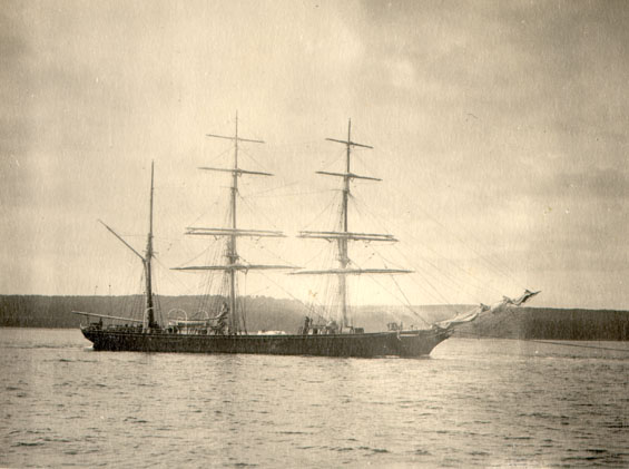 "Barque ""Earlshall"" before she was converted to a motor auxillary"