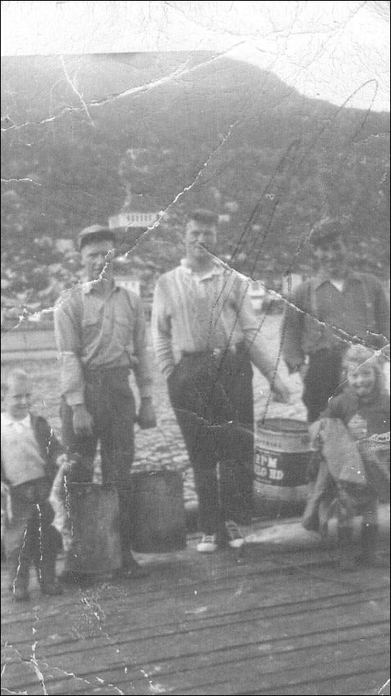 Randell family, Hooping Harbour