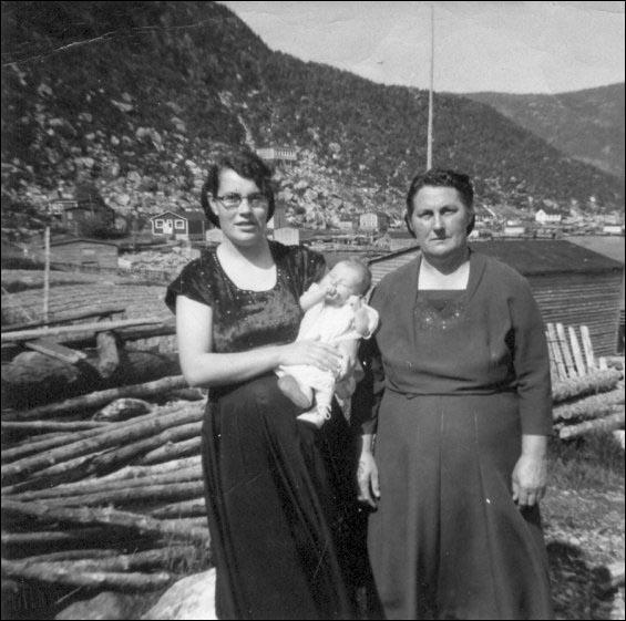Zela Randell, her daughter-in-law and grandchild at Hooping Harbour