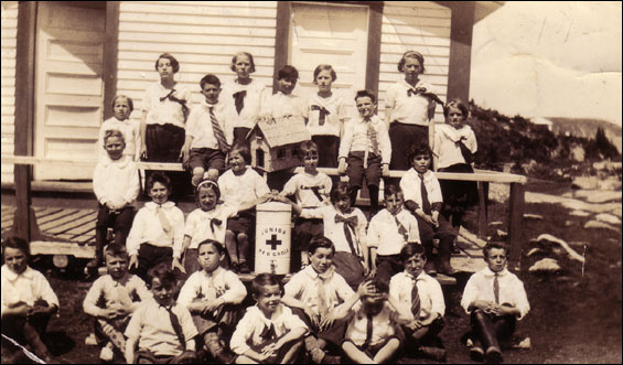 School picture for 1937-38, Sydney Cove