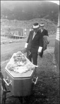 Isaac Denty's funeral, Coffin's Cove, Harbour Buffett, Placentia Bay.